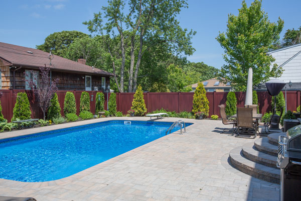 woodgrain-pvc-fence-pool